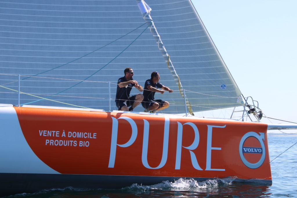 Romain Attanasio et son co-skipper Sébastien Marsset à bord de l'IMOCA Pure